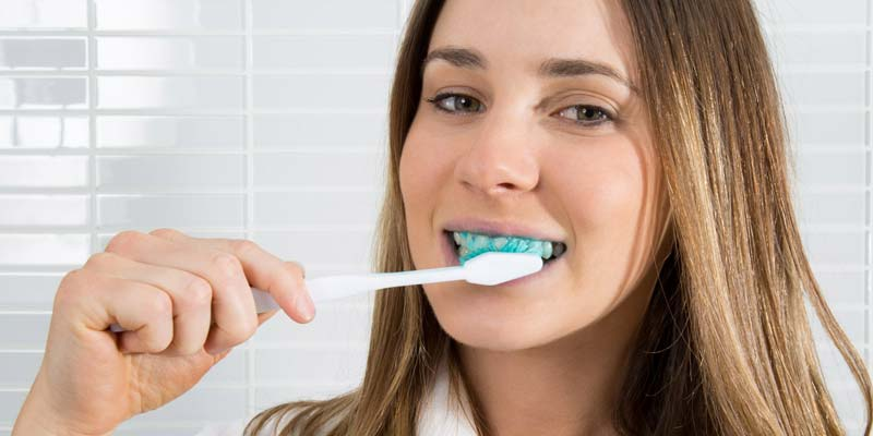 los angeles dentist recommends brushing and toothpaste